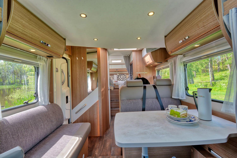 SkandiTrip petit camping car entrance and living room seats